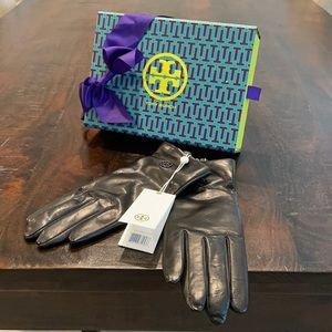 Tory Burch Black Leather gloves